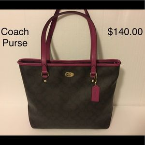 COACH PURSE no stains or rips.  pristine condition